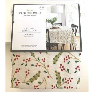 """Holiday Tablecloth 60""""x120"""" Oblong Seats 10 to 12"""